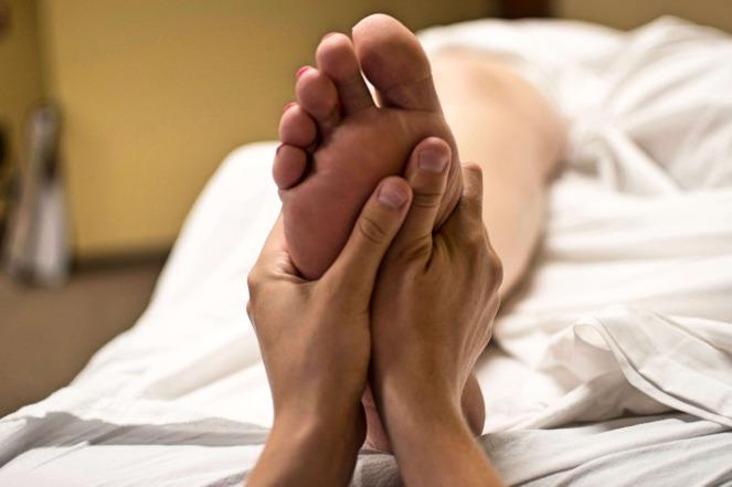 foot-massage-2277450_1920